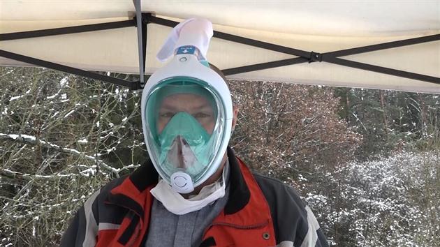 Improvizovanou ochrannou masku vyrobíte i z vybavení pro potápěče