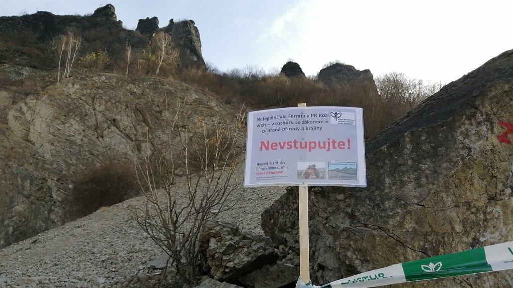 Ferrata na Kozí vrch je zavřená, ochránci nechtějí rušit hnízdící sokoly