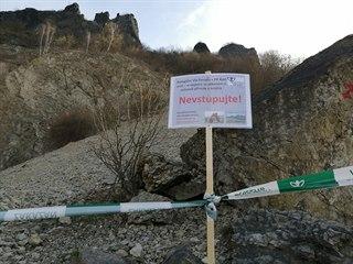 Ochránci přírody kvůli klidu hnízdících sokolů uzavřeli ferratu na Kozím vrchu.