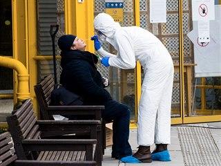 V domově seniorů, odkud byla první oběť koronaviru, jsou nakaženi další dva...