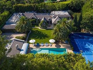 Luxusní sídlo v kalifornském Beverly Hills, které minulosti patřilo zpěvačce...