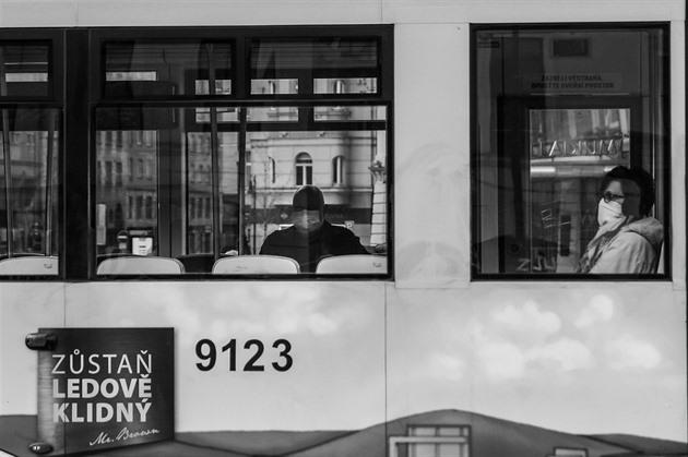 OBRAZEM: Černobílý svět pandemie v Praze. Bude lidstvo pokornější?