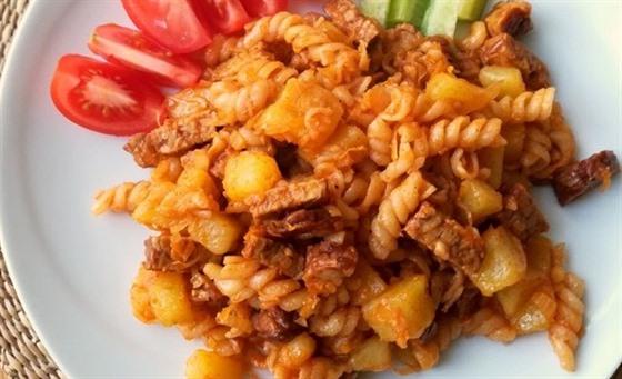Grenadýrmarš je pro nás nezvyklá kombinace brambor a těstovin.