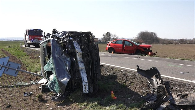 VIDEO: Zběsile ujíždějícího řidiče zastavila až nehoda