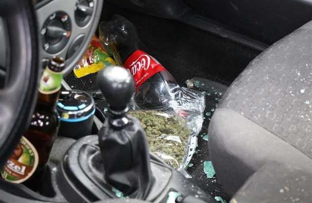 Dealera zastavil až druhý zátaras, pervitin před policisty snědl