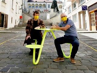 Autoři projektu Gastro žije navrhli koncept stolů k veřejnému stravování, které...