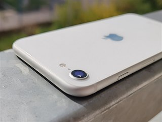 iPhone SE (2020) představení