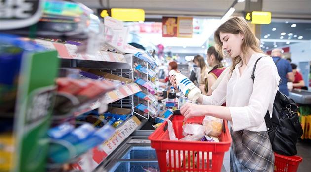Supermarkety prodávaly nápoje se smrtícím jedem, otrávili se tři lidé
