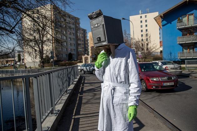 OBRAZEM: Rok s covidem. Jak koronavirus změnil život v Česku