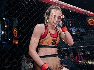 Pátá porážka v řadě pro Lucii Pudilovou, tentokrát po návratu z UFC na půdě...