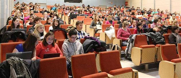Lékařské fakultě v Ostravě hrozí, že nebude mít akreditaci