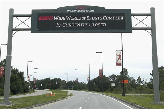 Nákaza se šíří Floridou. V tréninkových kempech se nakazili čtyři fotbalisté
