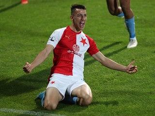 Slávistický útočník Petar Musa v euforii, právě vstřelil gól v těžkém duelu na...