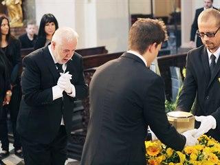 Jan Kolomazník (vlevo) při posledním rozloučení se svou manželkou Evou...