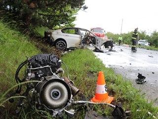 Při nehodě mezi Černožicemi a Jaroměří zahynuli tři lidé (31. 5. 2020).