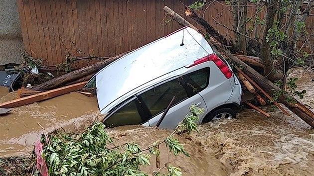 Šumperskem se prohnaly povodně. Obětí záplav je žena, druhá se ...