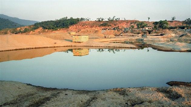 Část řeky, která je znečištěna arzénem. (15. června 2007)