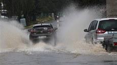Varování meteorologů: Česko v úterý potrápí vydatné deště, zvláštní pozor si mají dát hlavně řidiči