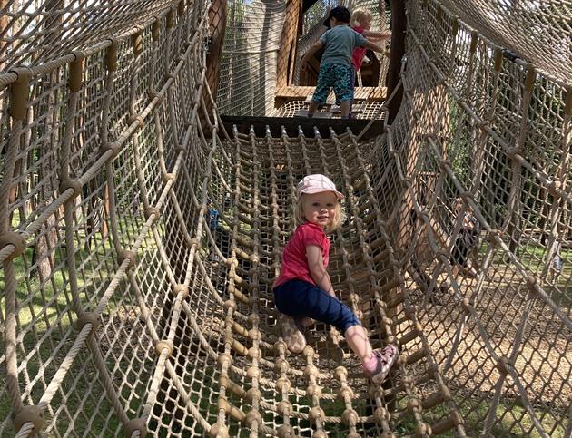 Krokodýli, brouzdaliště nebo lanové parky. Máme pro vás tajné tipy, kam vyrazit s dětmi