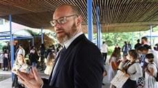 Vysvědčení od ministra dostanou prvňáci v Praze 6. Česká televize odvysílá Koncert pro Moravu