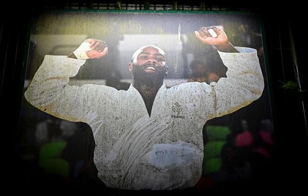 Francouzští rasisté urazili sportovní legendy. Opice, titulují Rinera