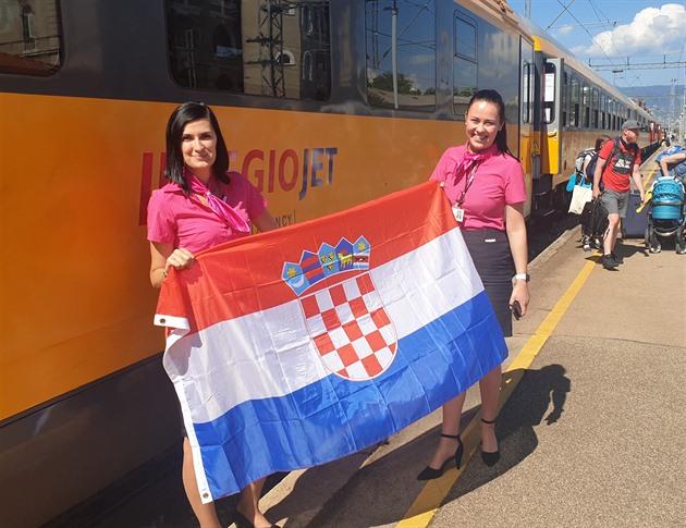 Vlakem k Jadranu. Dopravce spojem do Chorvatska narazil na zlatou žílu