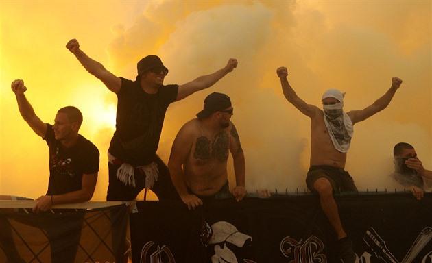 Nepoučitelní Bulhaři. Fandové při finále fotbalového poháru ignorovali zákazy