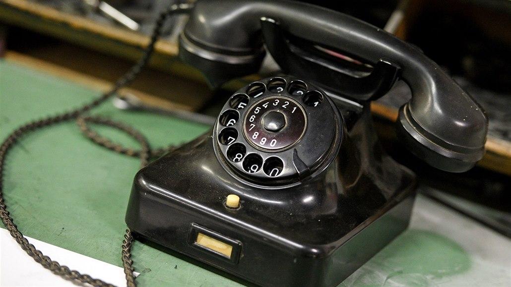 STO OBJEVŮ: Za otce telefonu je považován Bell. Volalo se ale dříve