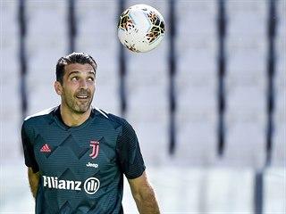 Gianluigi Buffon, brankář Juventusu, nastoupil proti FC Turín k rekordnímu 648....