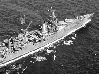 Na samém konci války v Pacifiku, dne 30. července 1945, utrpělo americké...