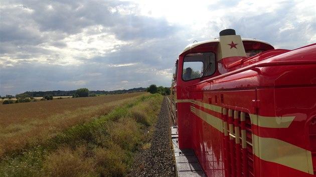 Lokomotiva T426.003 během zkušební jízdy mezi stanicemi Praha-Zličín a Hostivice