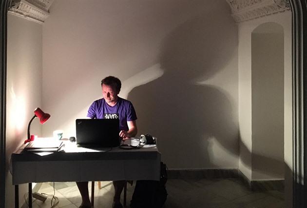Nouzový stav dal umělcům nový impulz, říká kurátor Petr Vaňous