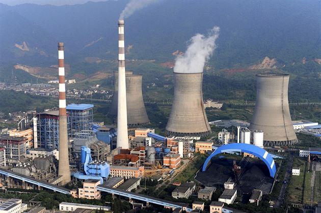 Svět se zbavuje uhelných elektráren, Čína naopak pořizuje nové