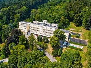 Léčebna Miramonti v Luhačovicích byla postavená v letech 1928 až 1929 jako...