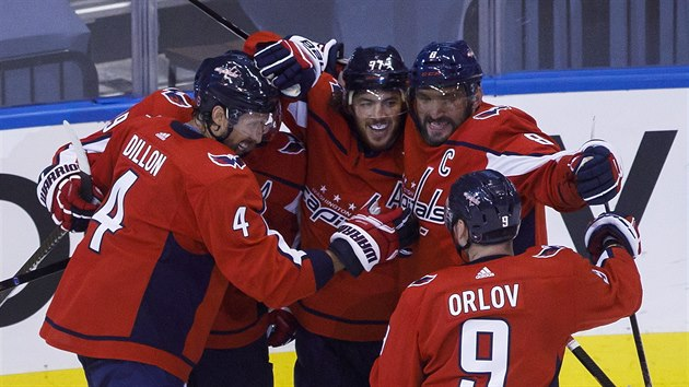 Radost hokejistů Washington Capitals.
