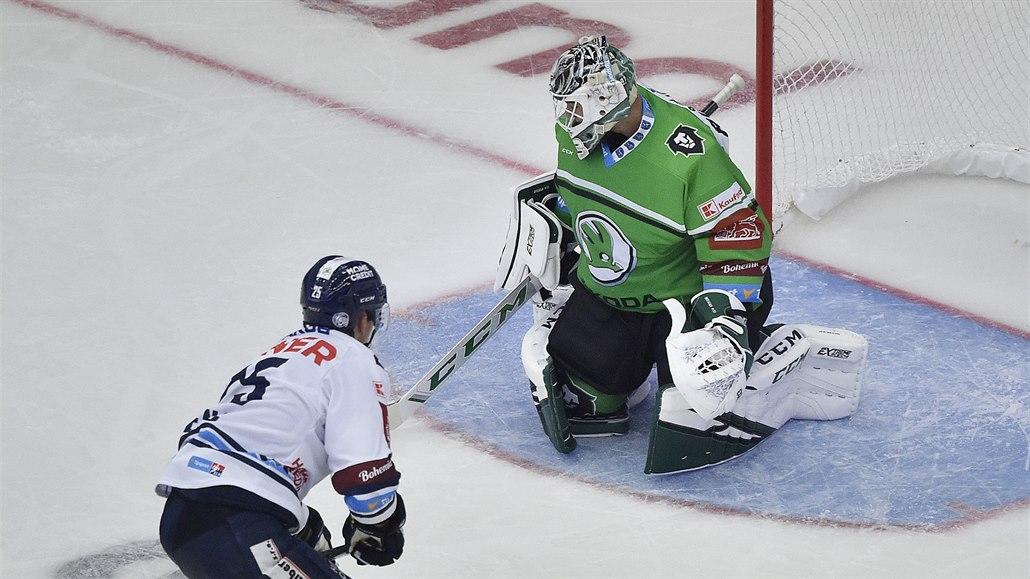 Jsem strašně rád, že už můžeme hrát hokej, říká liberecký útočník Lenc
