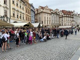 Turisté se sice do Prahy vrátili, ale Český statistický úřad zaznamenal...