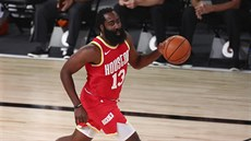 James Harden z Houstonu jde do útoku.