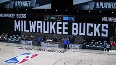 Basketbalisté Milwaukee Bucks na palubovce chybějí, zápas play off NBA...