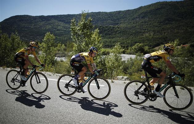 Další souboj favoritů na Vueltě. Druhou etapu vyhrál Soler, Roglič dál červený
