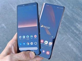 Samsung Galaxy Z Fold2 a Sony Xperia 10 II