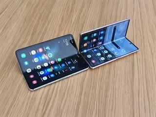 Samsung Galaxy Z Fold 2 a původní Galaxy Fold