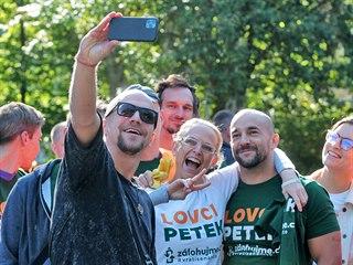Tomáš požádal účastníky o společné selfie před začátkem akce.