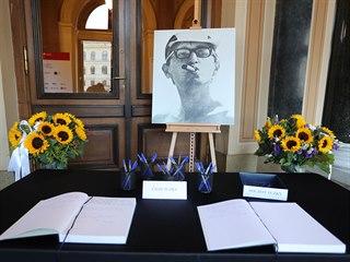 Poslední rozloučení se zesnulým režisérem Jiřím Menzelem v pražském Rudolfinu....