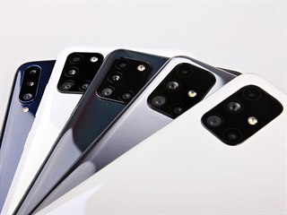 Zleva: Samsung Galaxy A20s, Samsung Galaxy A21s, Samsung Galaxy A31, Samsung...