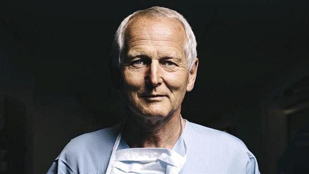Chirurg Jan Pirk v pracovním