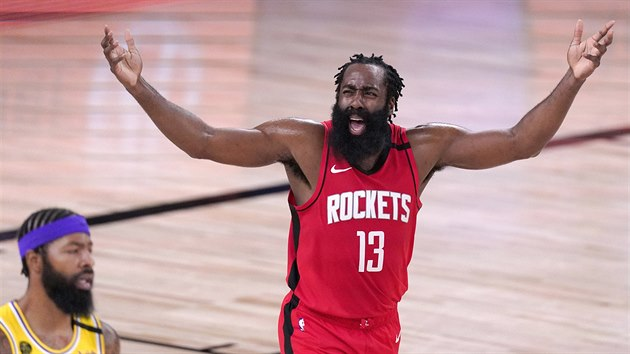 James Harden (13) z Houstonu je rozhozený v zápase s LA Lakers.