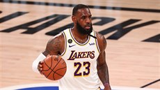 LeBron James z LA Lakers v zápase s Houstonem