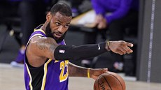 LeBron James směřuje Los Angeles Lakers do finále NBA.