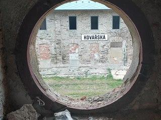 Nadšenci opravují nádraží a vodárnu v krušnohorské Kovářské